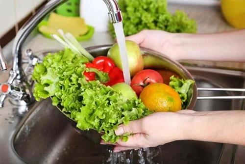 rửa rau củ quả